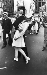 Kissing wars poster