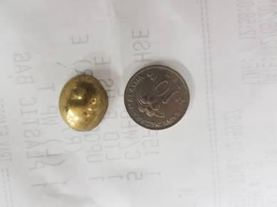 Batu besi kuning