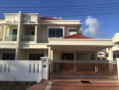 DS Semi Detached at Forlion Garden, Miri