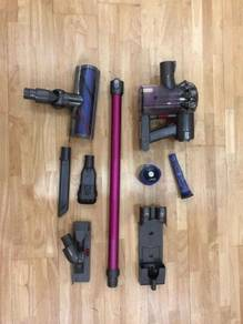 Dyson V6 Absolute Cordless Handheld Vacuum Cleaner
