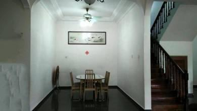 Semi D, Bandar Putra, Kulai, Gate A