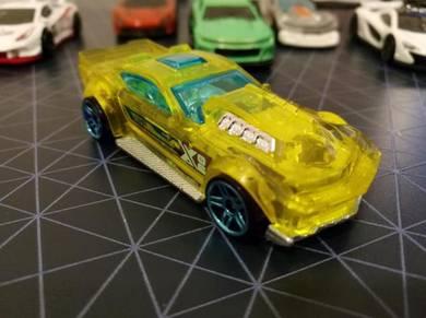 DTY12 X06 Mattel Hot Wheels Car
