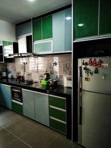 Wardrobe/kitchen C2