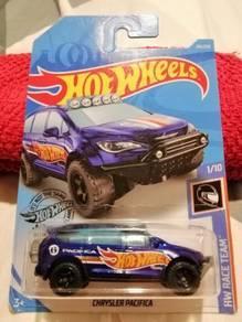 New Chrysler Pacifica 6 HW Race Team Hot Wheels