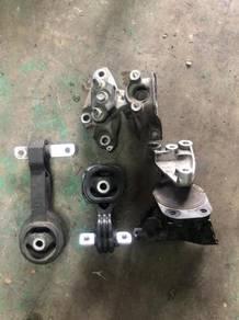 Honda Civic FD1 Engine Mounting