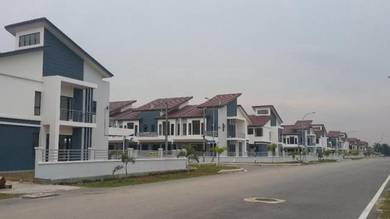 New 2 sty Linked House Bandar Putera 2 , Klang