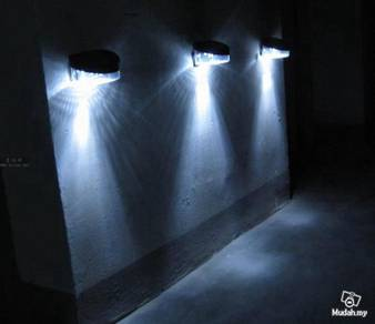Solar Powered Wall Fence Light With 8 Led