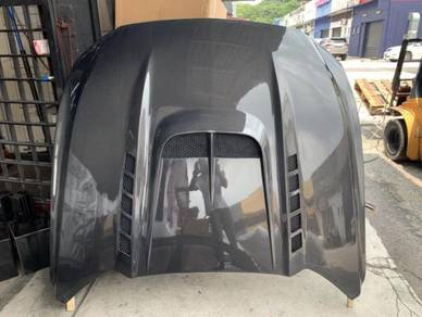 Ford mustang carbon fiber bonnet vented design