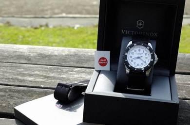 VICTORINOX SwissArmy - jam tangan