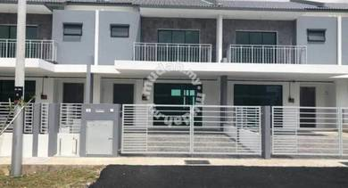 CHEAP 2 Storey Taman Saujana Klia, Sepang Below MV