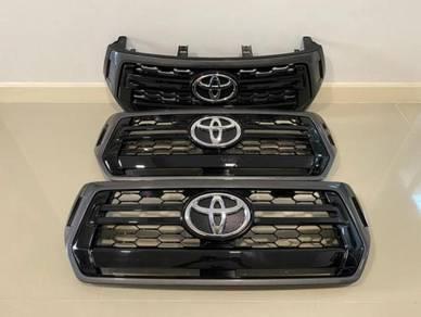 Toyota Hilux Revo 2016 - 2019 Front Grille (Ori)