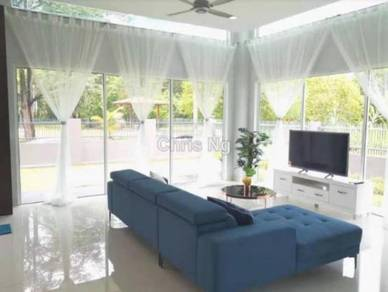 3 Storey Bungalow in Taman Bukit Meringin Country Heights Kajang