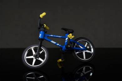 Green finger BMX diecast skill toys