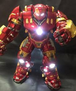 Hulkbuster Avengers Age of Ultron toy statue model