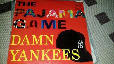 Piring Hitam LP Damn Yankees The Pajama Game