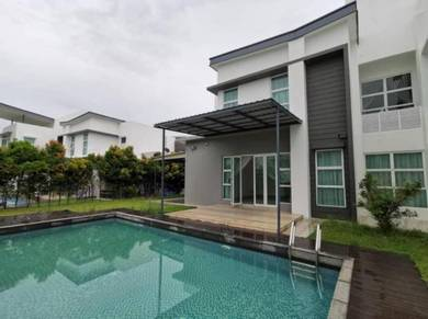 East Ledang Bungalow with Swimming Pool Freehold