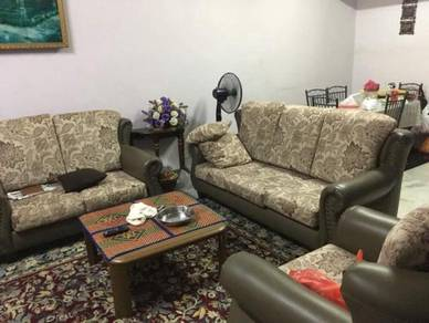 [[GOOD CONDITION]] 2 Storey Terrace House, Desa 4, Country Homes