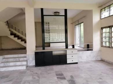 [Corner House ] Freehold with big land 8000 sf land Seri Kembangan