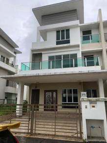 3 Storey Semi Detached at Taman Regensi Rawang, Rawang Parc, KL