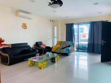 [[FULLY RENOVATED]] 2.5 Storey Terrace House, Taman Cassia, Sri Hijau