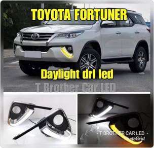 Toyota fortuner daylight drl led