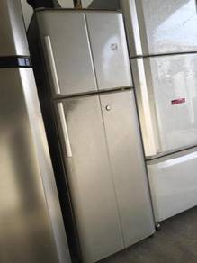 Small Sanyo Fridge Refrigerator Peti Ais Sejuk Ice