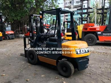 JAPAN DIRECT IMPORTED TOYOTA 2 ton FORKLIFT