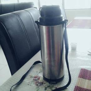 Thermos / Flask to store hot beverages