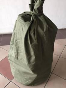 US Army duffle bag vintage levis nike adidas LVC