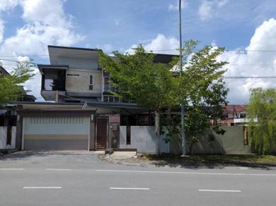 Helston Residenice 2 1/2 storey semi-detached house Stutong for sale