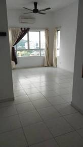 One world condo 4-ROOMS 1560SF PARTLY renovated 2 air-cond 5-FANS