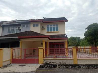 Rumah Teres 2 Tingkat (Corner Lot) untuk Dijual di Nilai