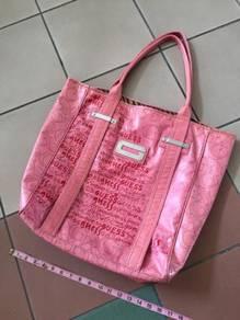 GUESS oversize shoulder bag zara H&M uniqlo DKNY