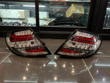 Mercedes Benz W204 Facelift tail lamp W204 C63