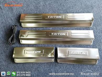 Mitsubishi Triton 4X4 LED Side Sill Step Side Step