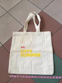 Camper shopping tote bag NOS clark red wing rayban