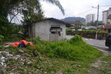 Land beside MRR2 (near Petronas 7 1/2 Hulu Kelang, KL)