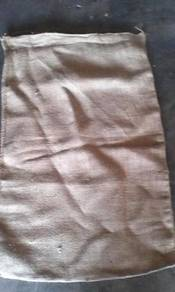 Guni kain untuk sukan atau pembinaan