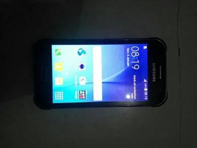 J1 Ace Samsung SmE