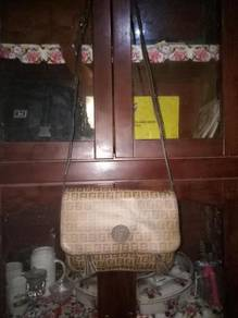 FENDI roma sling bag
