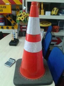 PVC traffic cone with black rubber base 700 mm