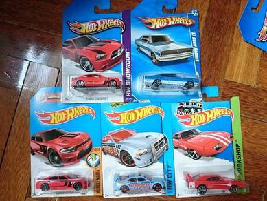 Hotwheels Dodge Charger lot not Tomica