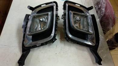Mazda 8 mpv fog lamp / sport light