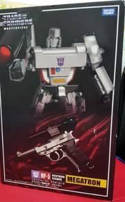 Takara Masterpiece Transformer: MP-5 Megatron