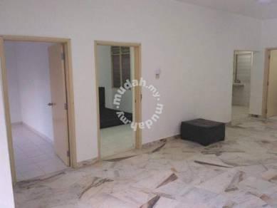 Partial/furnished peti sejuk/washing machine lagoon perdana apartment