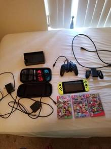 Nintendo Switch Bundle, 3 games, 64 gb card, pro c