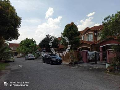 2 sty house at Putra Heights, Below Market