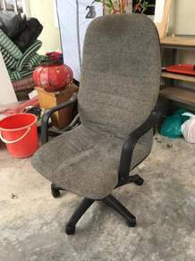 Executive Office Arm Chair w/rollers (ID : C64 i)