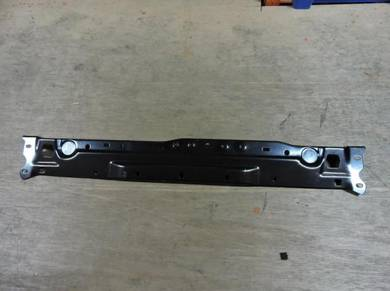 Mercedes C-class W204 Radiator Top Panel