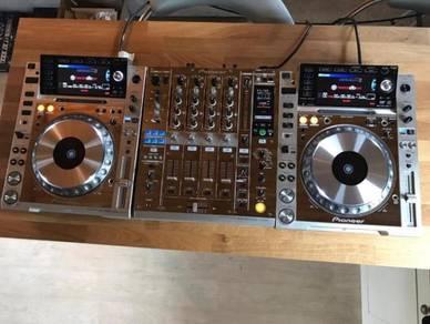 Set Pioneer 2 cdj-2000 Nexus and 1 djm-900 Nexus